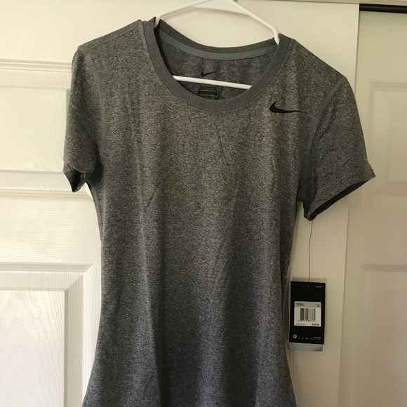 Nike Tops - Women's Nike dri fit tee
